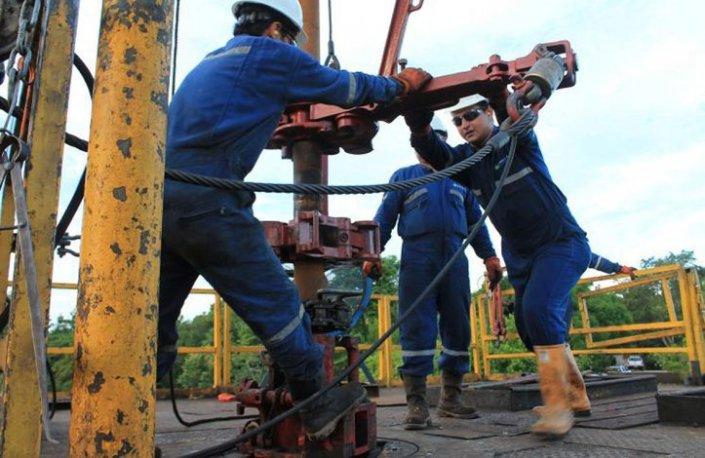 Petroleros01