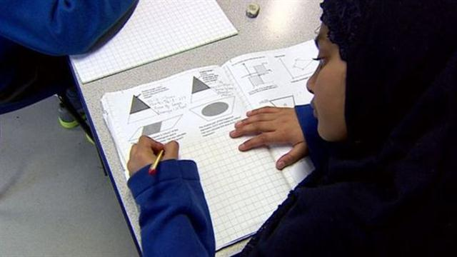 El método fue introducido en Reino Unido como piloto en 2014 y ahora se extenderá a la mitad de las escuelas primarias, en un intento por promover un. Foto: AFP